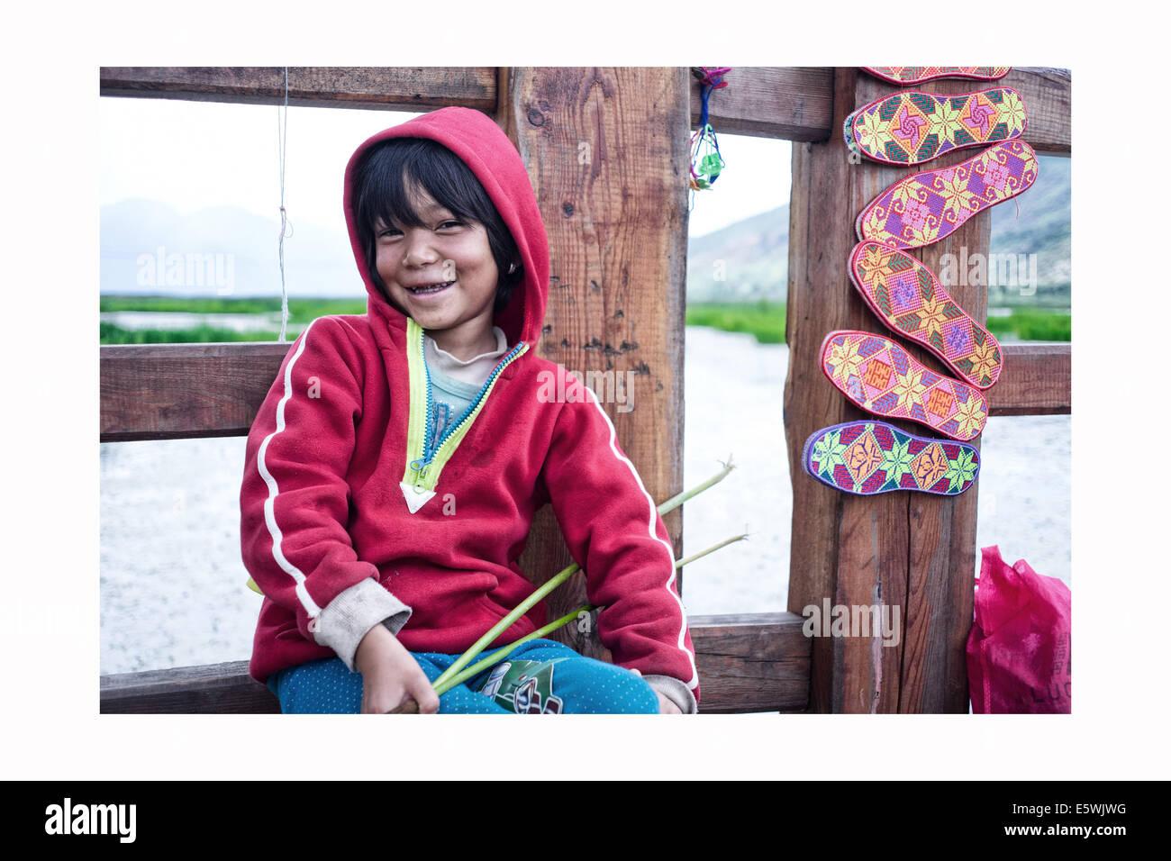 Julio 30, 2014 - LIJIANG CHINA de Julio 30: Nakhi protrait de gente durante el viaje del fotógrafo de Lijiang, provincia de Yunnan, en China. © SIPA Asia/Zuma alambre/Alamy Live News Foto de stock