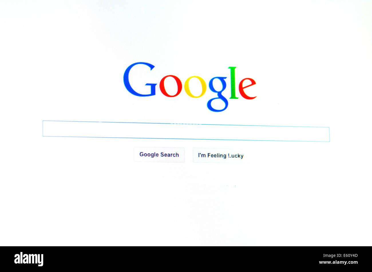 AUCKLAND - 10 Aug 2014:página principal de Google.Google estima que un anuncio en su página web costaría Imagen De Stock