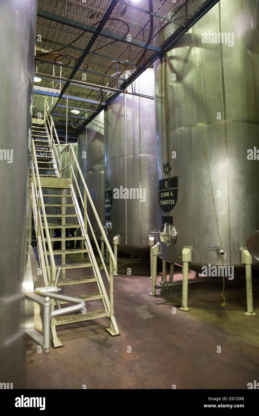 Dentro de la planta de fabricación Foto de stock