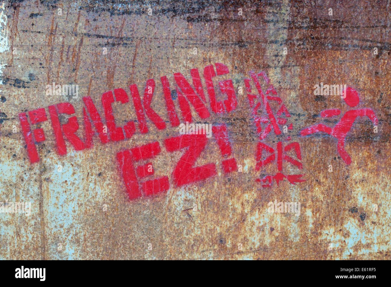 Graffiti protestando contra el Fracking EZ Zarautz, Gipuzkoa, en el norte de España, Europa Imagen De Stock