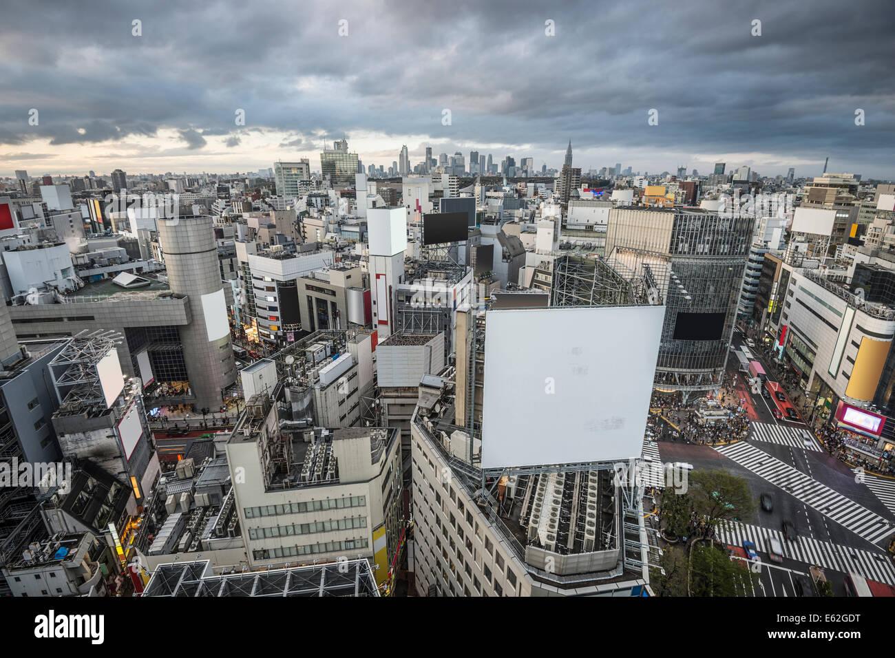 Vista aérea sobre el distrito de Shibuya de Tokio, Japón. Foto de stock