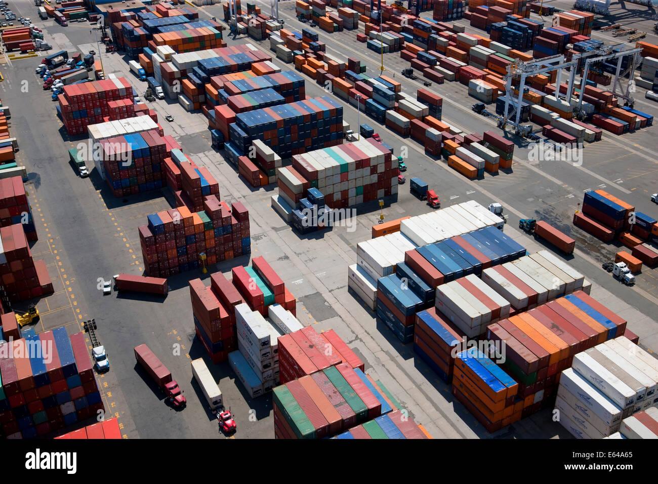 Vista aérea del puerto de contenedores, Bayonne, Nueva Jersey, EE.UU. A. Imagen De Stock