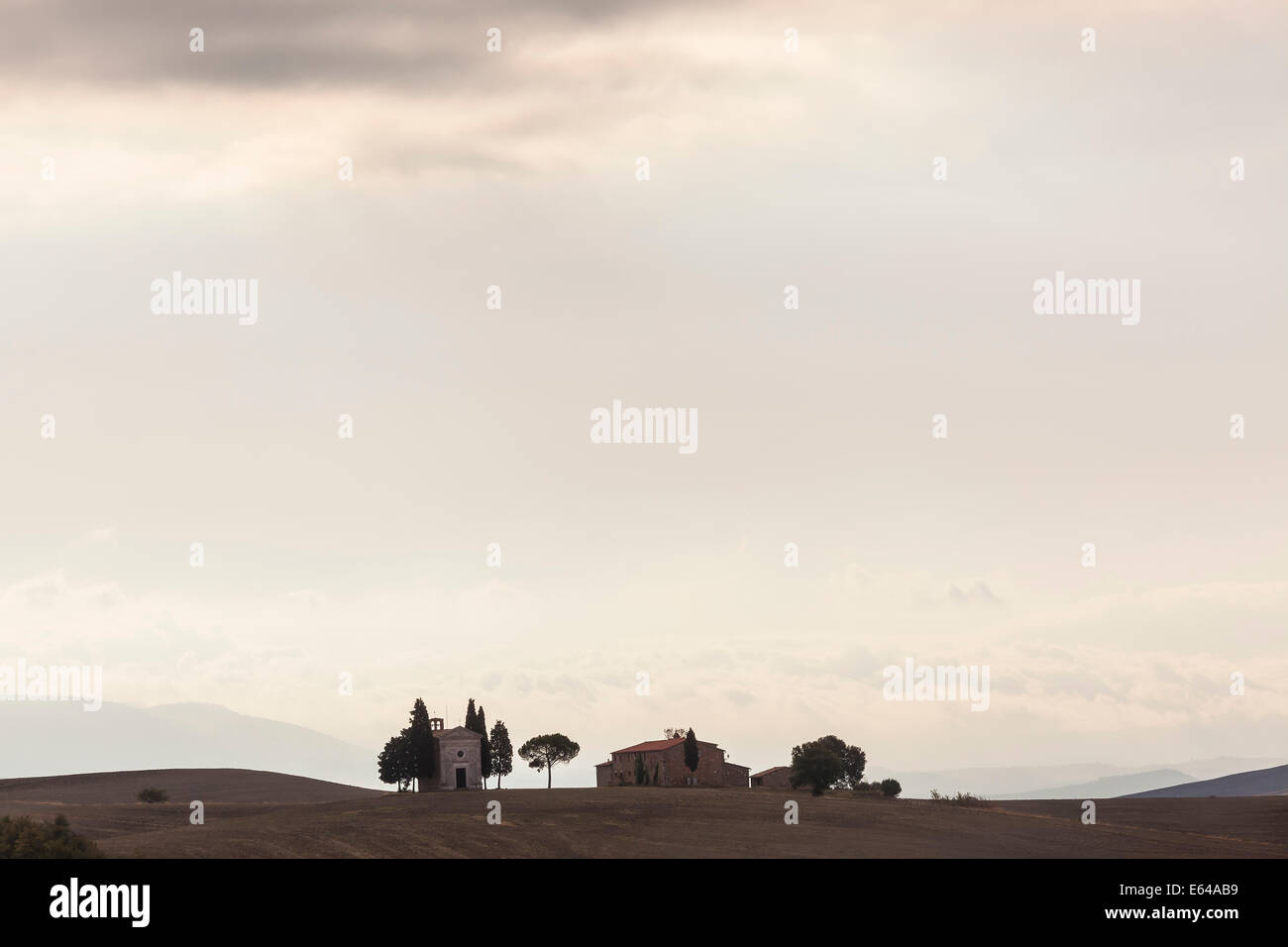 Capilla Vitaleta cerca de San Quirico d'Orcia Val d'Orcia Toscana Italia Imagen De Stock