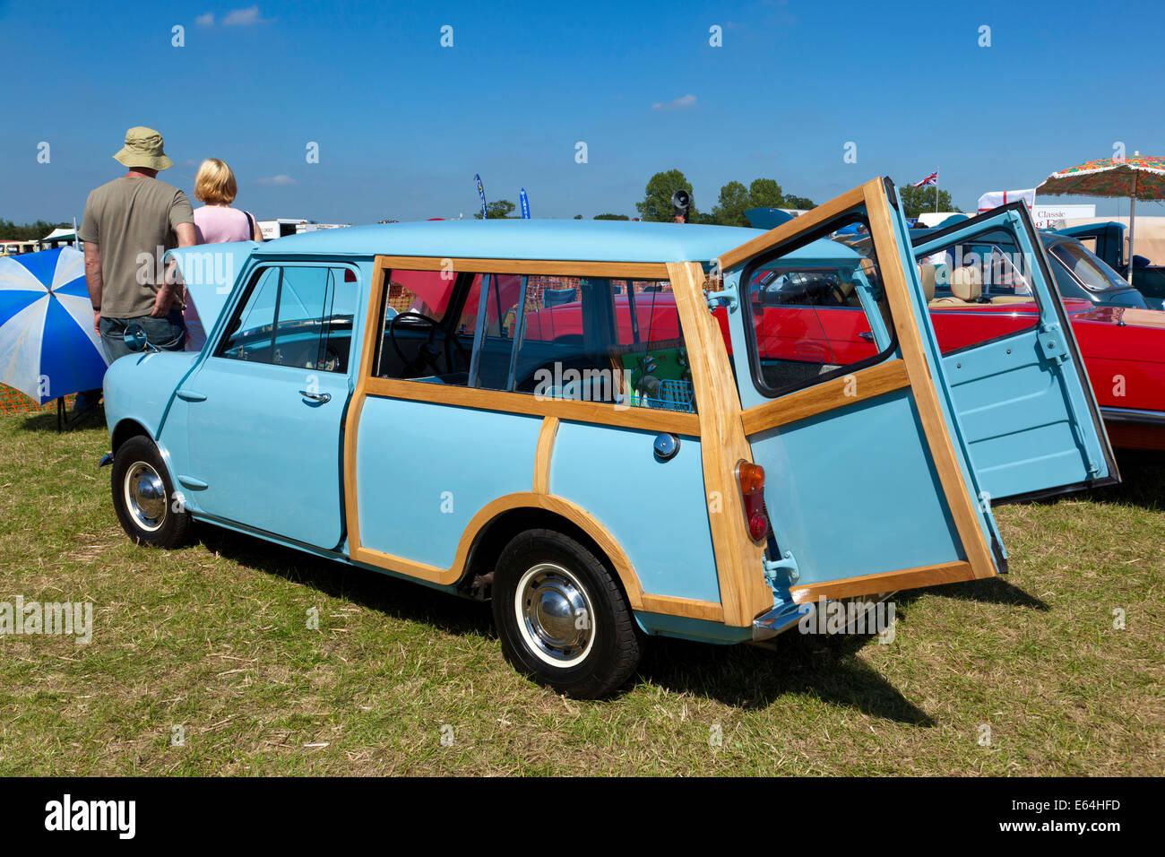 Morris Mini Traveller / Austin MINI Countryman coche Imagen De Stock