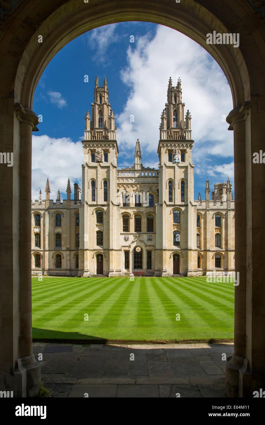 All Souls College, fundado en 1438 por Enrique VI, Oxford, Oxford, Inglaterra Imagen De Stock
