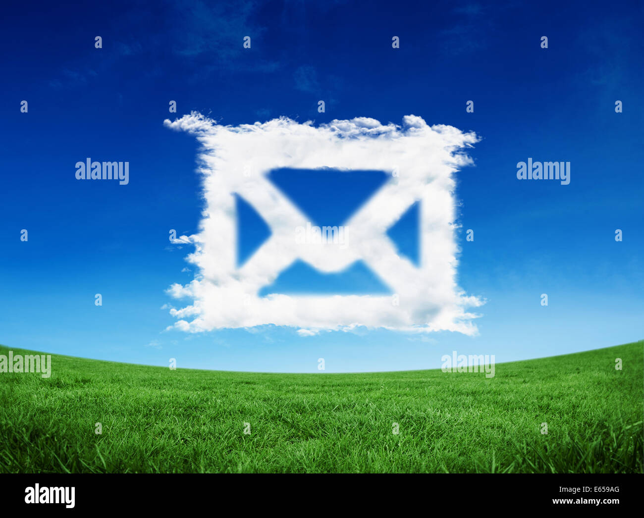 Imagen compuesta de cloud email Foto de stock