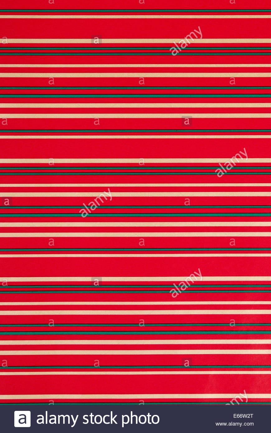 Cerca de papel de regalo de navidad a rayas como fondo Imagen De Stock