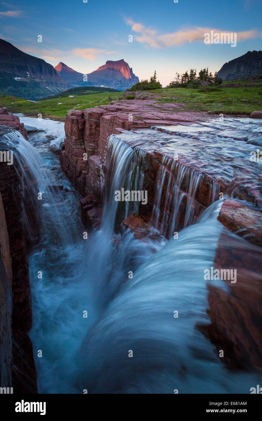 Logan Pass en el parque nacional de Glacier, Montana, situado cerca de la frontera entre Estados Unidos y Canadá. Imagen De Stock