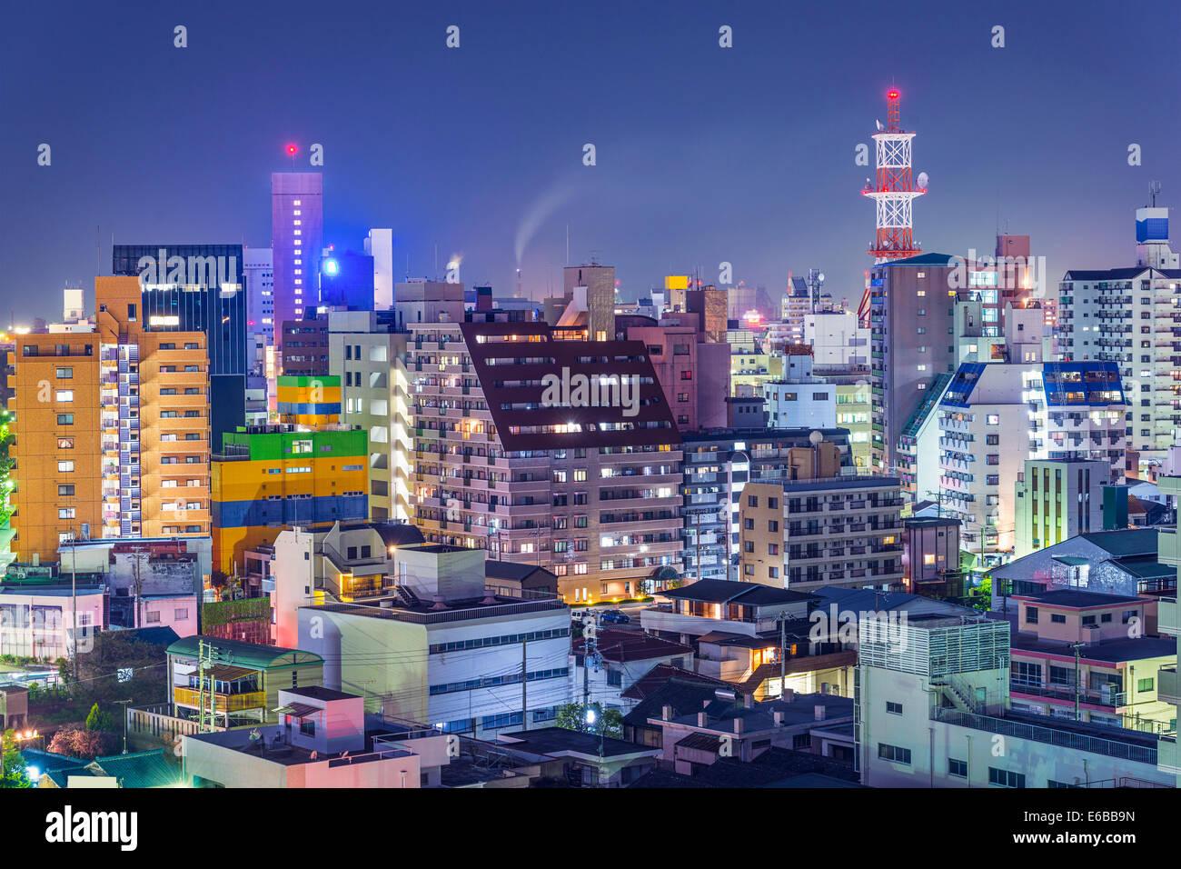 Wakayama, Japón el centro de ciudad. Imagen De Stock