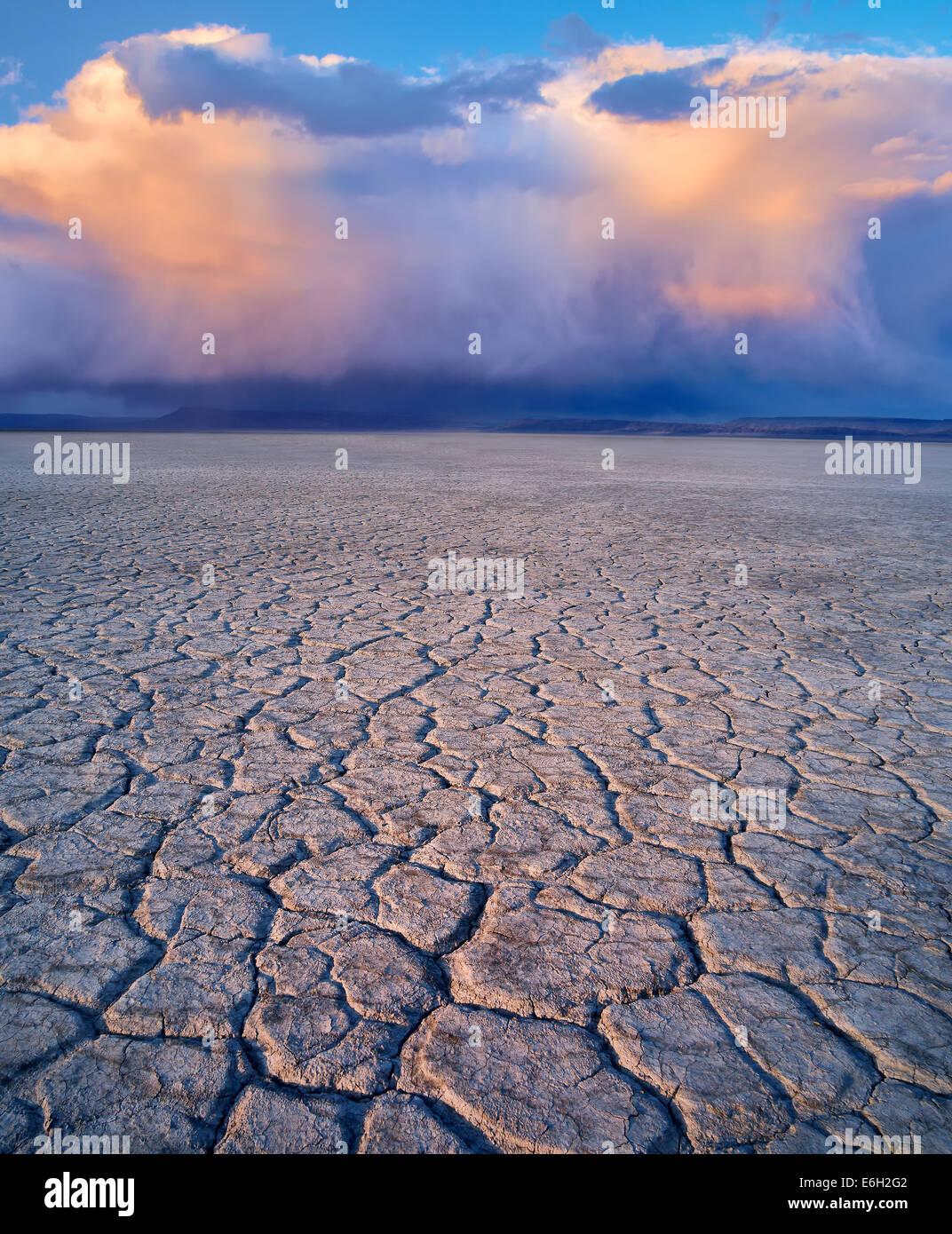 Alvord desierto y nubes Harney County, Oregon. Foto de stock