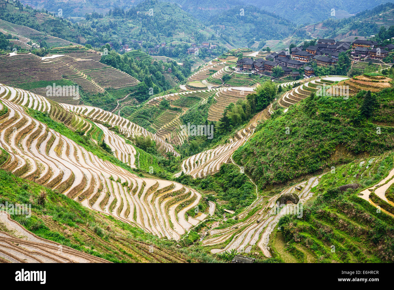 En la aldea de montaña Yaoshan en Guangxi, China. Imagen De Stock