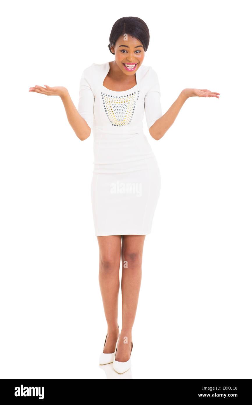 Alegre joven muchacha africana con una sorprendente expresión facial Imagen De Stock