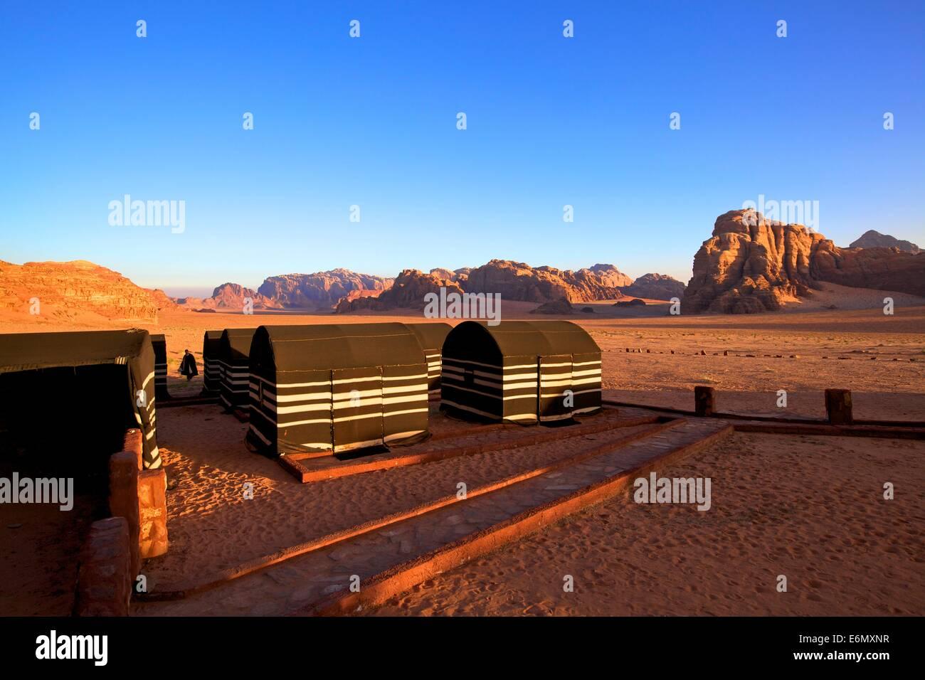 Campamento de beduinos, Wadi Rum, Jordania, Oriente Medio Imagen De Stock