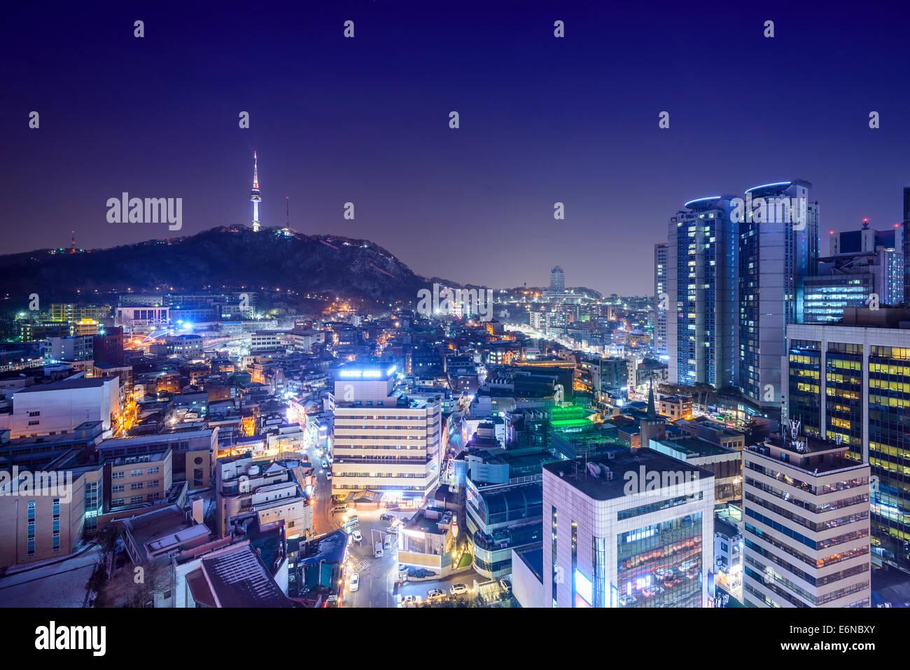 Seúl, Corea del Sur skyline en la noche. Imagen De Stock