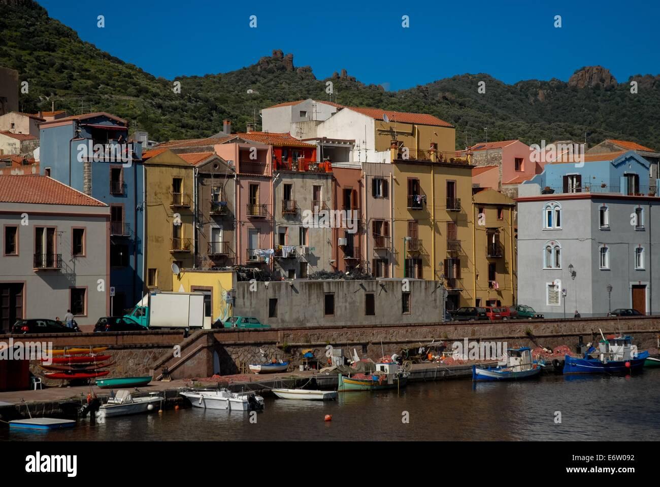 Bosa en Cerdeña, Italia Foto de stock