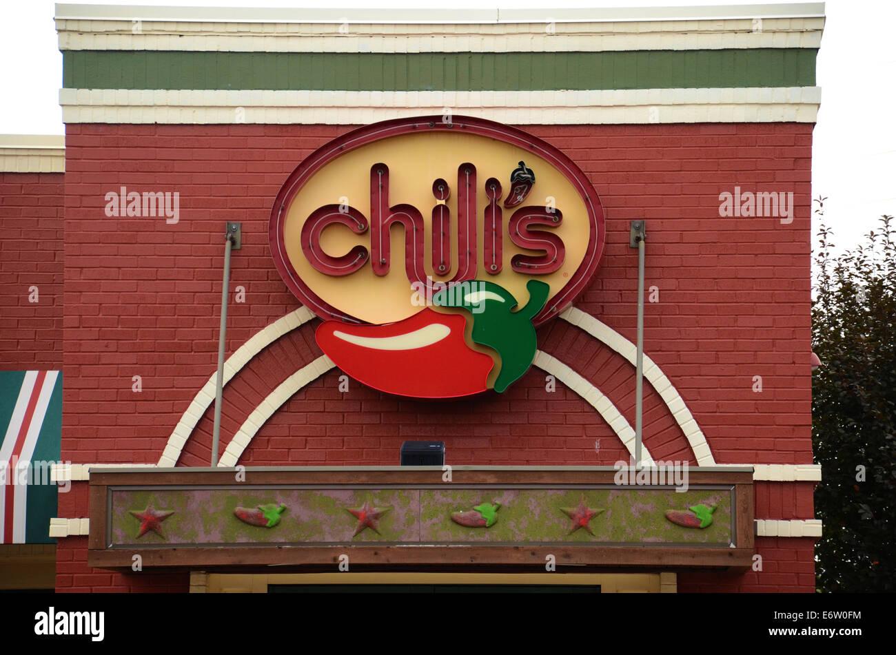 ANN ARBOR, MI - Agosto 24: Chili's East Ann Arbor Store logo aparece el 24 de agosto de 2014. Foto de stock