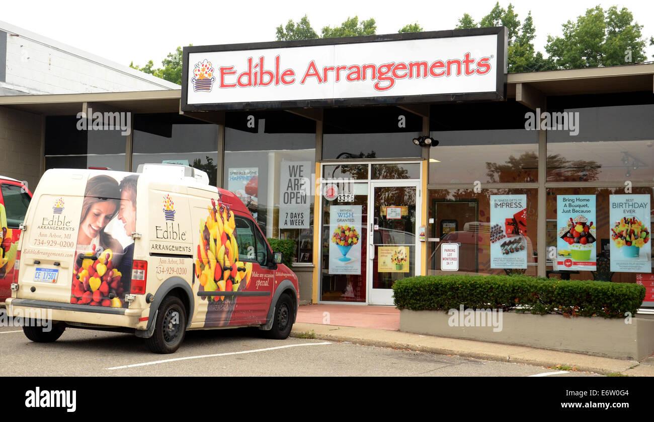 ANN ARBOR, MI - Agosto 24: Arreglos comestibles este almacén de Ann Arbor es mostrado el 24 de agosto de 2014. Foto de stock