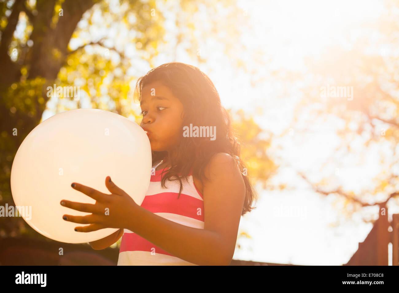 Chica volar en globo garden Imagen De Stock