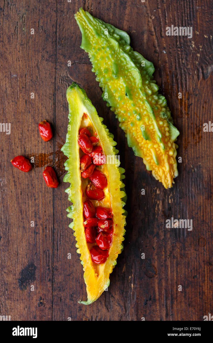 Momordica verde, melón amargo o karela Imagen De Stock