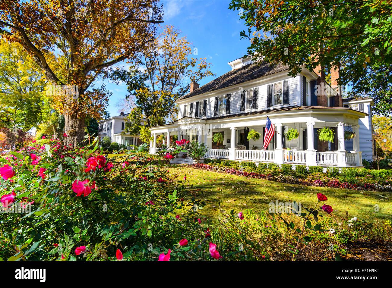 Madison, Georgia, EE.UU. en el distrito de casas antebellum. Imagen De Stock