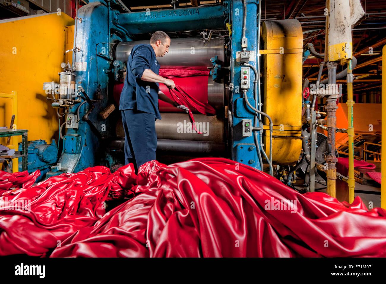 Planta de fabricación de componentes de caucho Foto de stock