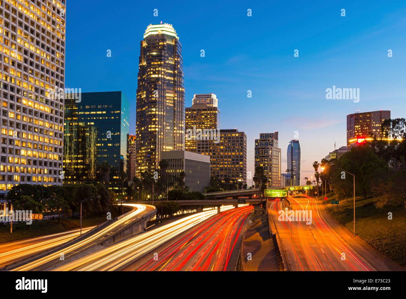 En el centro del distrito financiero de la ciudad de Los Ángeles, California, Estados Unidos de América, Imagen De Stock