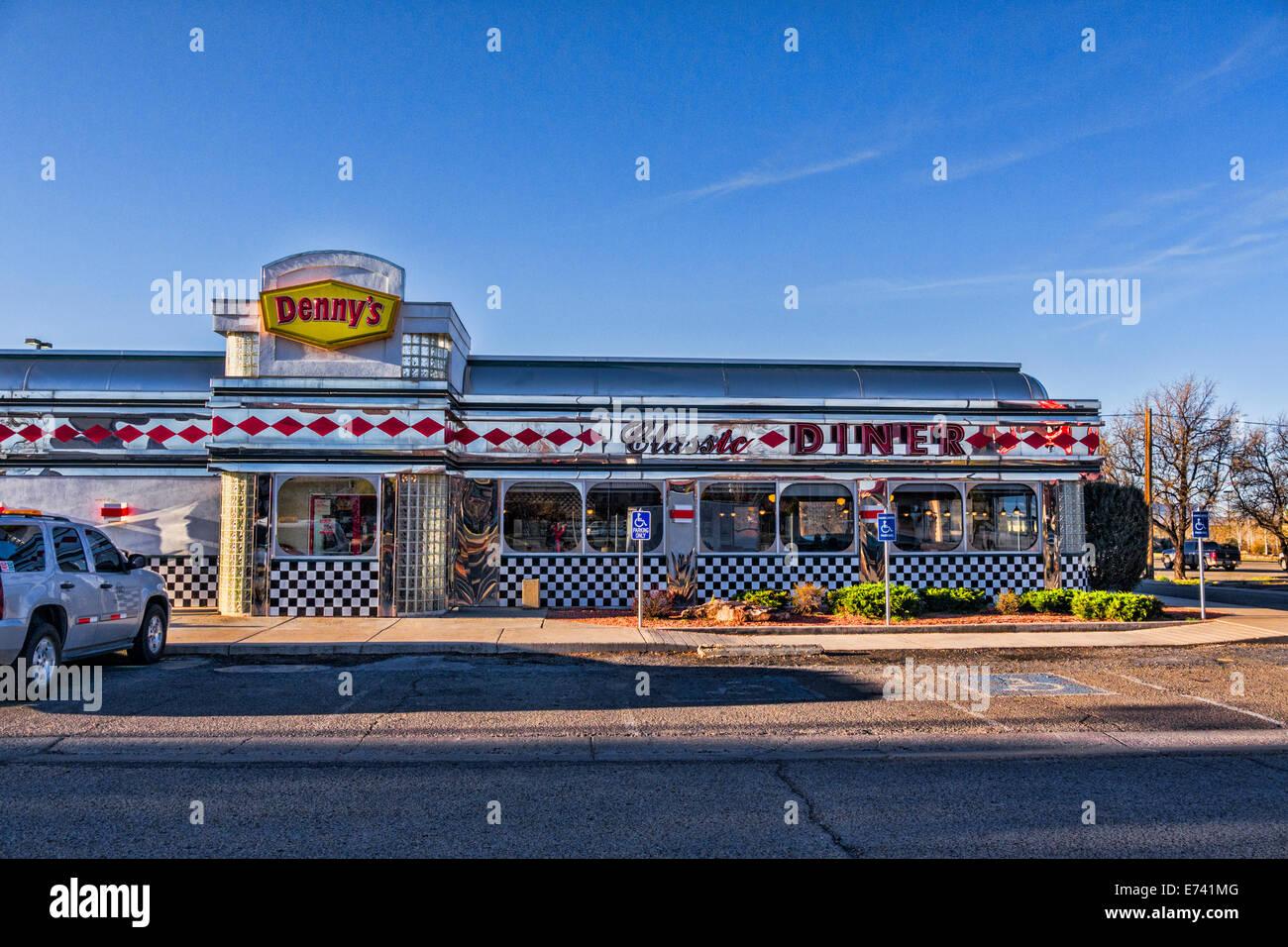Denny's Classic Diner, Cortez, Colorado, Estados Unidos. Imagen De Stock