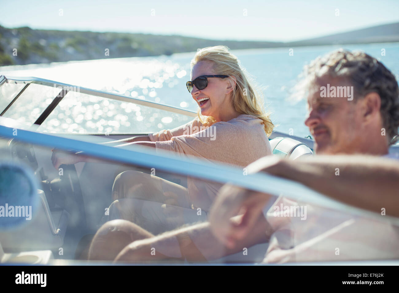 Par de conducción de agua en barco Imagen De Stock