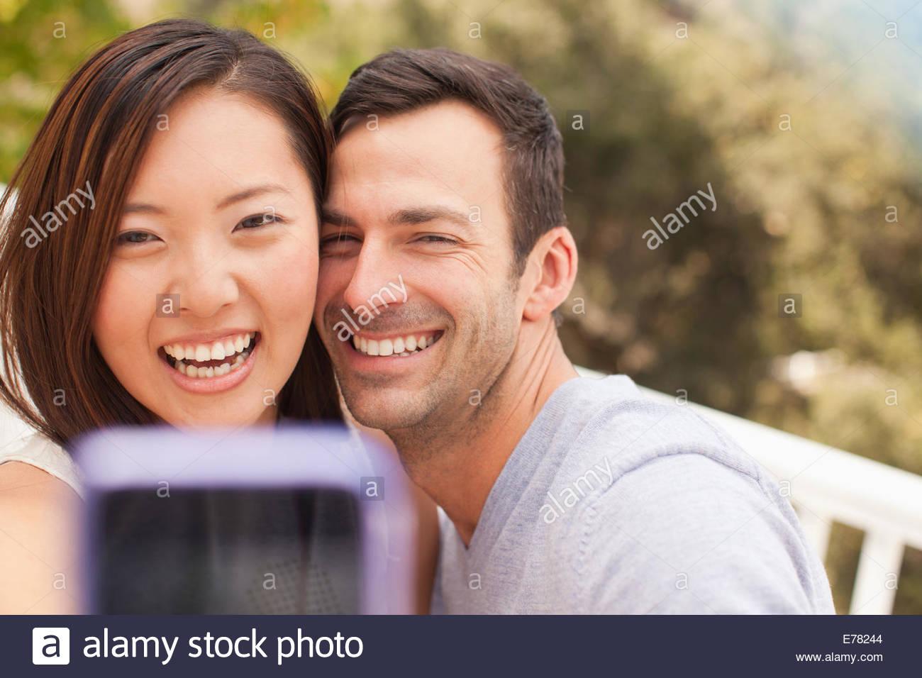 Par tomar la foto de ellos mismos Imagen De Stock
