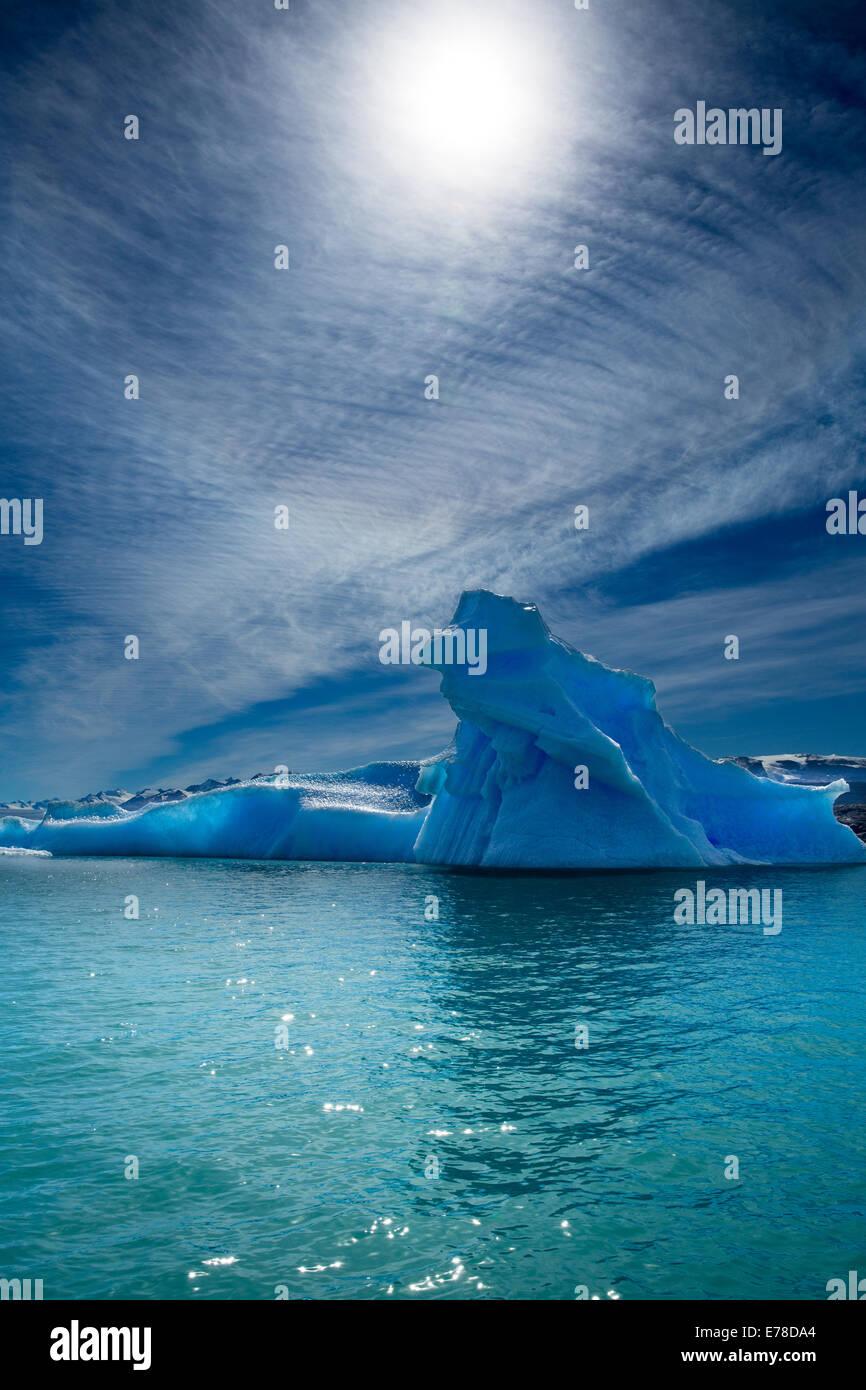 Los icebergs en el Lago Argentino, al pie del Glaciar Upsala, Patagonia, Argentina Imagen De Stock