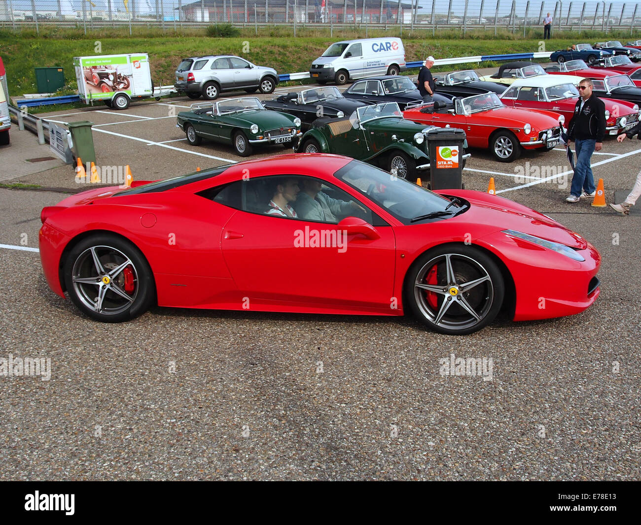 Red Ferrari 458 Spider Fotos E Imagenes De Stock Alamy