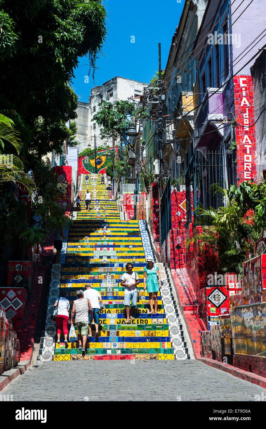 Escadaria Selarón pasos en Lapa, Río de Janeiro, Brasil Imagen De Stock
