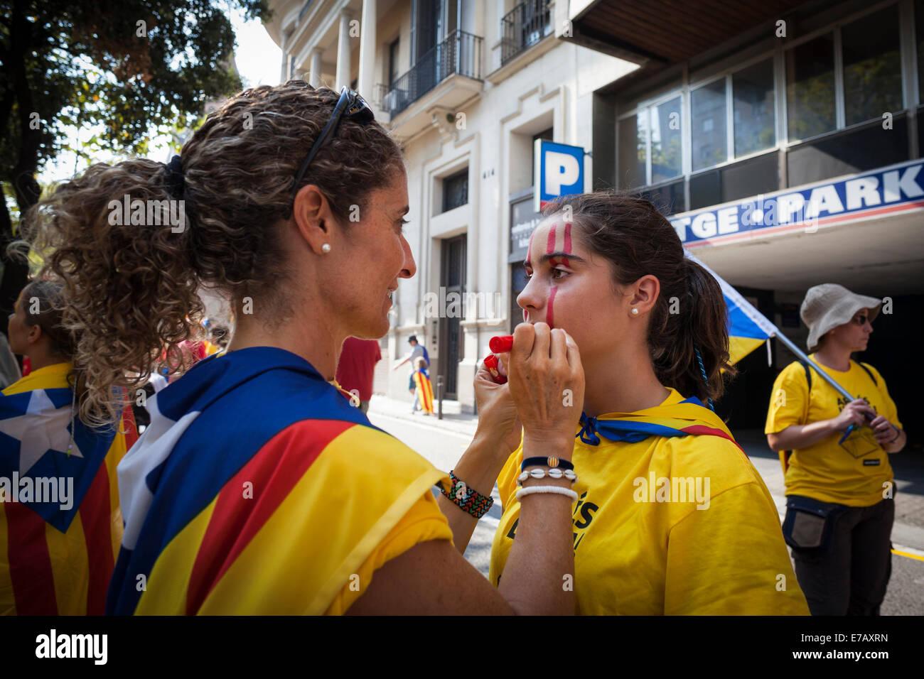 Barcelona, Cataluña, España. El 11 de septiembre de 2014. Madre ...