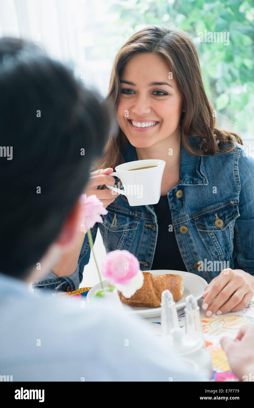 Par desayunar juntos Foto de stock