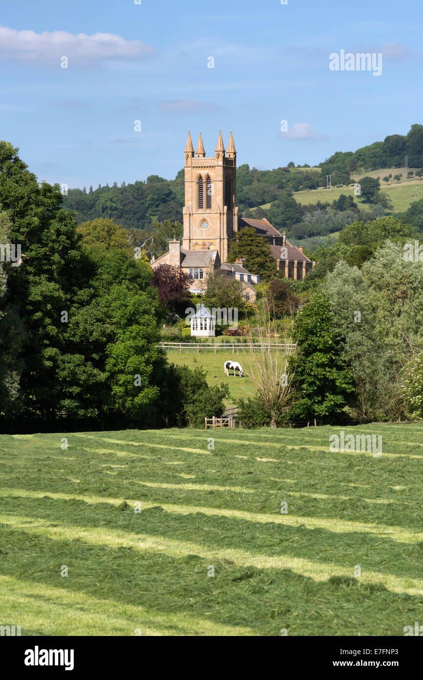 San Miguel y todos los Ángeles iglesia, Broadway, Worcestershire, Inglaterra, Reino Unido, Europa Imagen De Stock