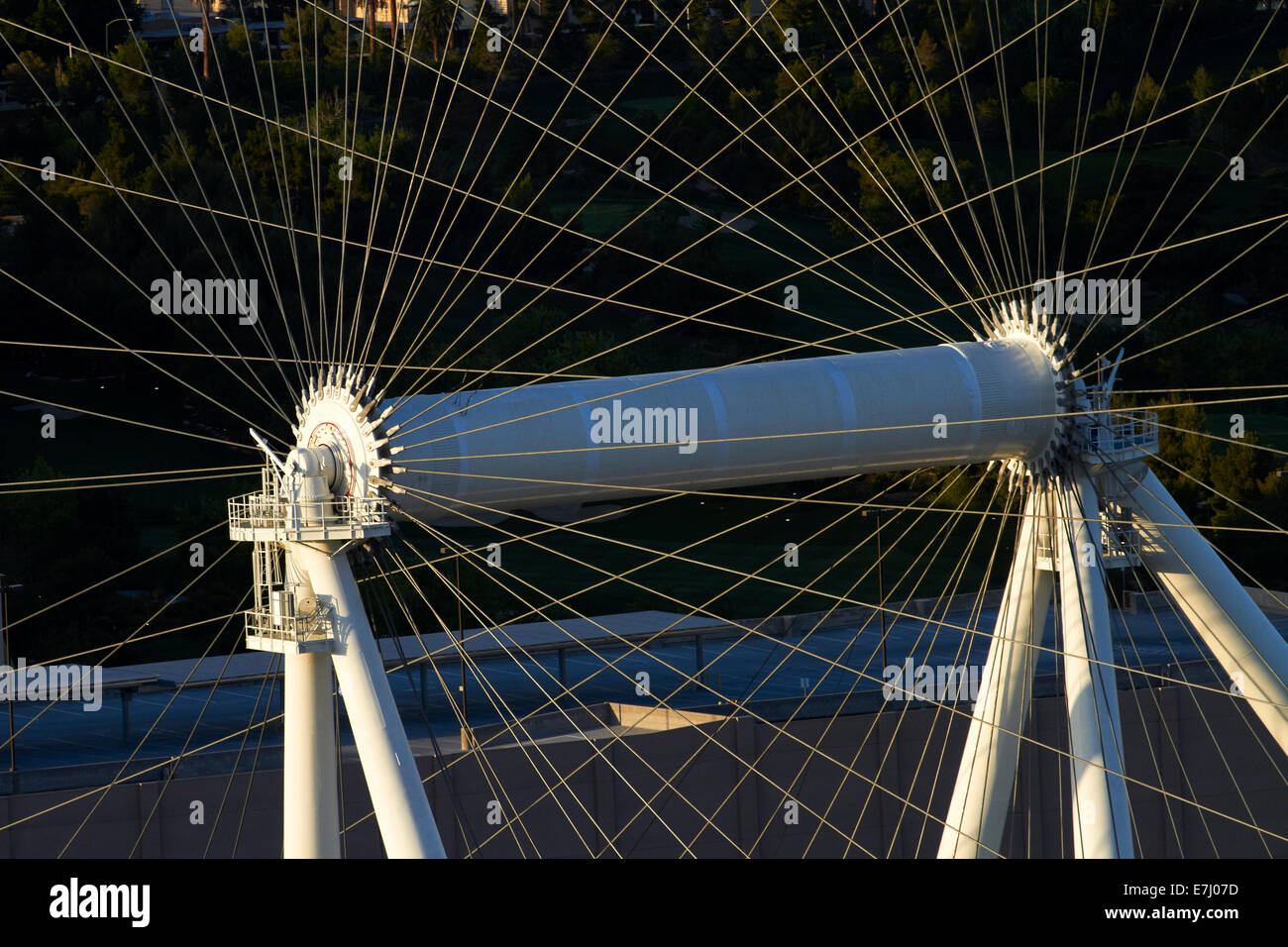 Hub de High Roller noria gigante (520 pies / 158,5 m de diámetro), Las Vegas, Nevada, EE.UU. Foto de stock