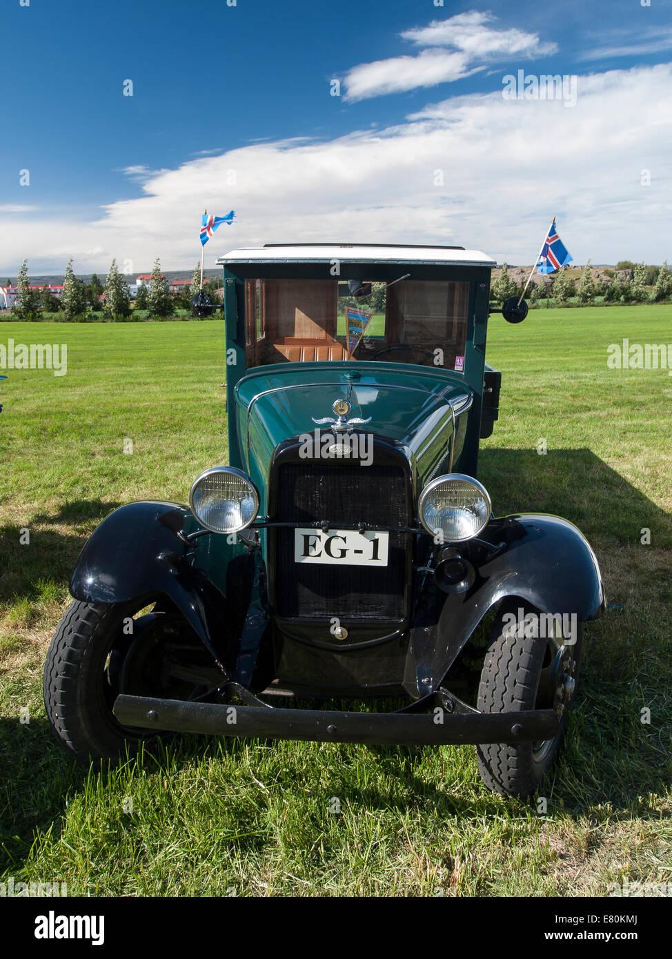 Exposición de coches antiguos y camiones en Egilsstadir, Islandia, Europa Foto de stock