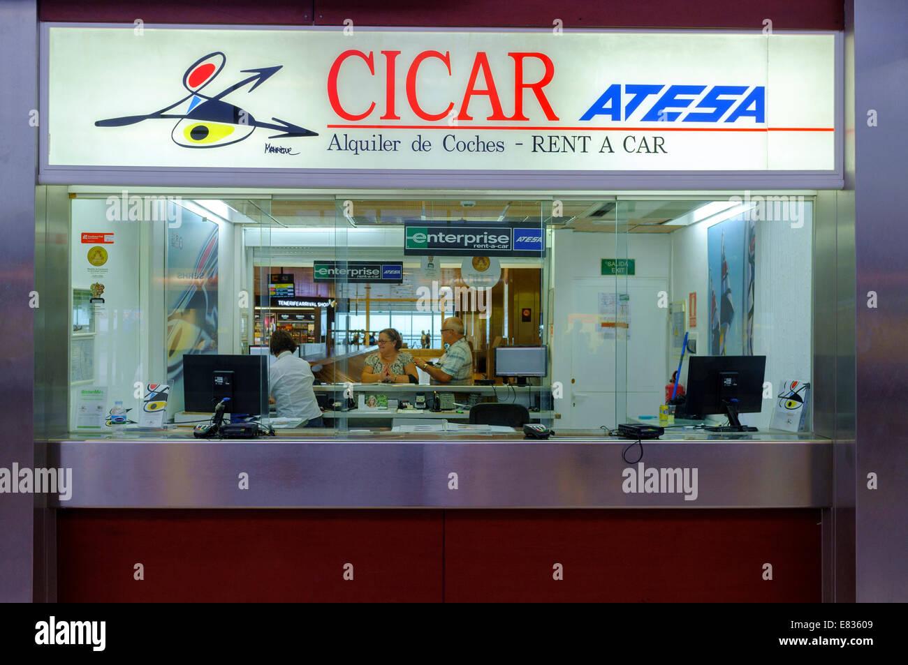 Airport car rental desk im genes de stock airport car rental desk fotos de stock alamy - Coches de alquiler en puerto de la cruz tenerife ...