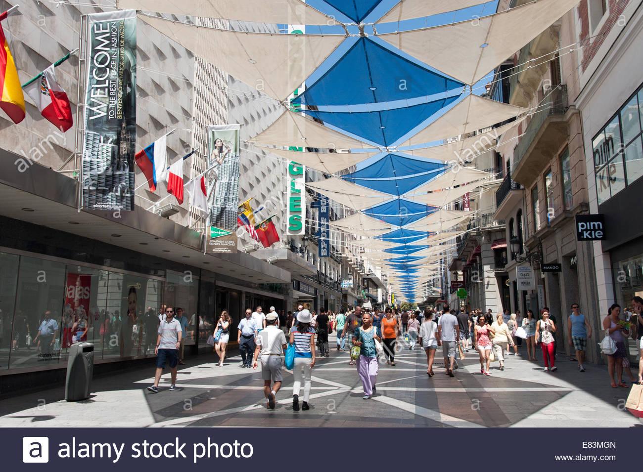 a71b10690b5 Street Preciados Imágenes De Stock   Street Preciados Fotos De Stock ...