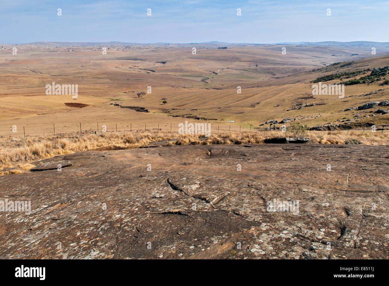 La roca sobre la cual Nelson Mandela utilizados para deslizarse y jugar como un niño cerca de la casa de su Imagen De Stock