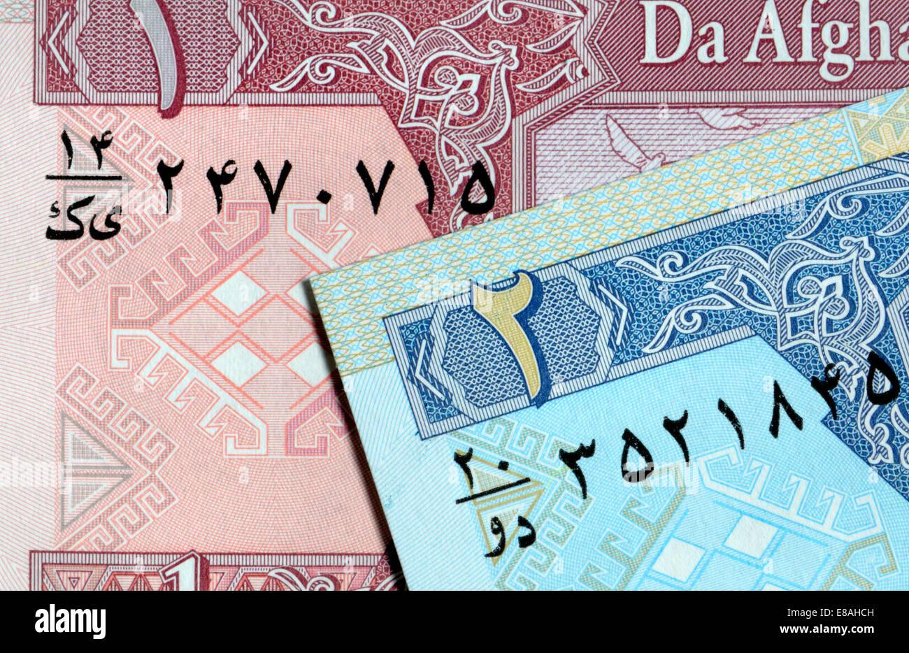 Detalle de un billete afgana mostrando el alfabeto árabe y los numerales Imagen De Stock