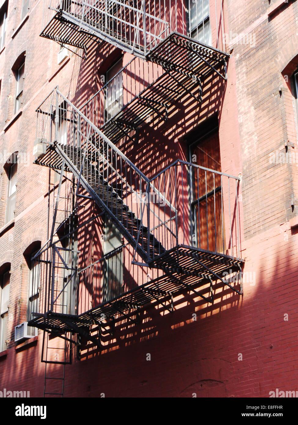 Ee.Uu., Estado de Nueva York, Ciudad de Nueva York, escalera de incendios Imagen De Stock