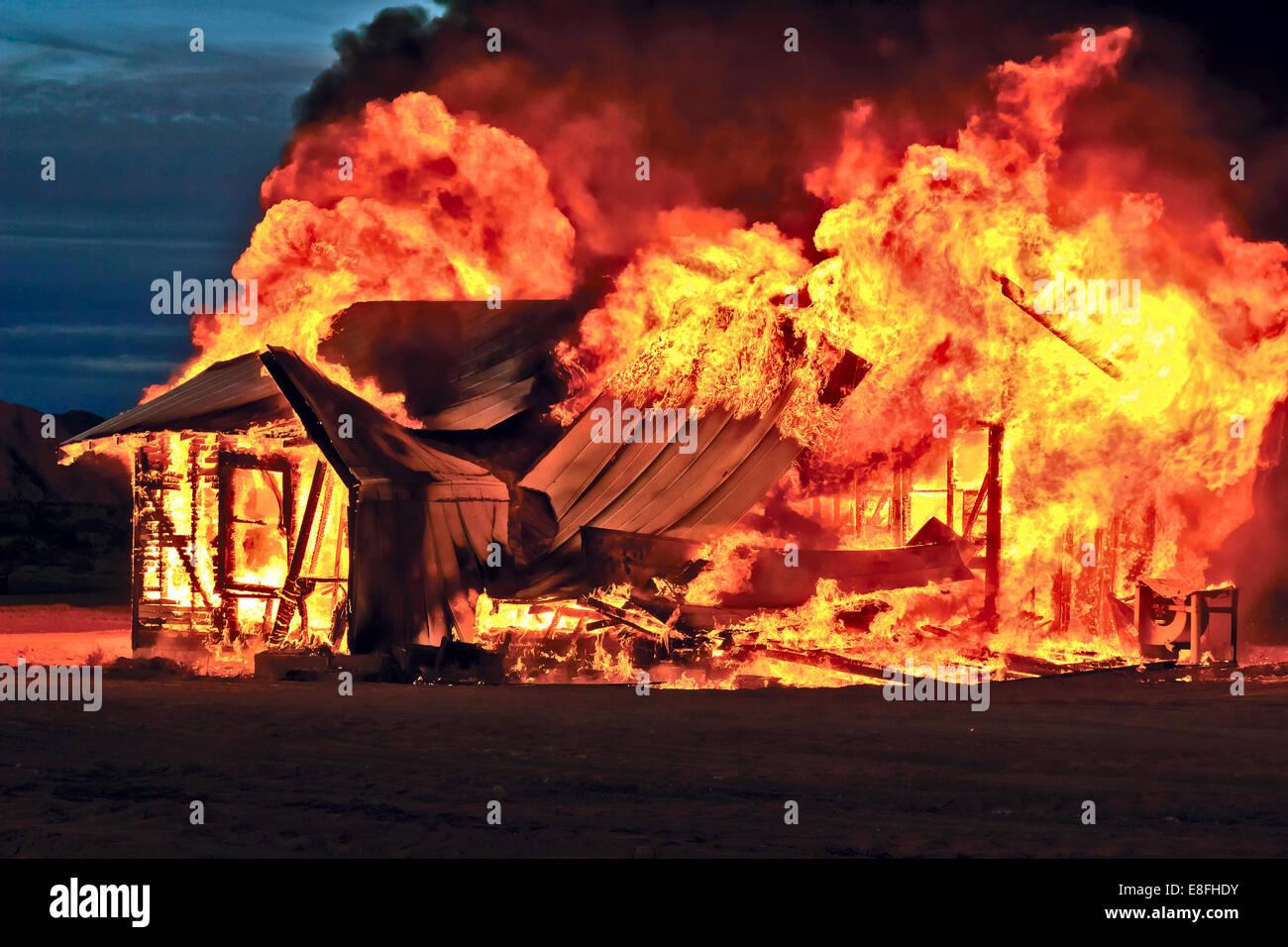 Casa abandonada en el fuego, Gila Bend, Arizona, Estados Unidos, EE.UU. Imagen De Stock