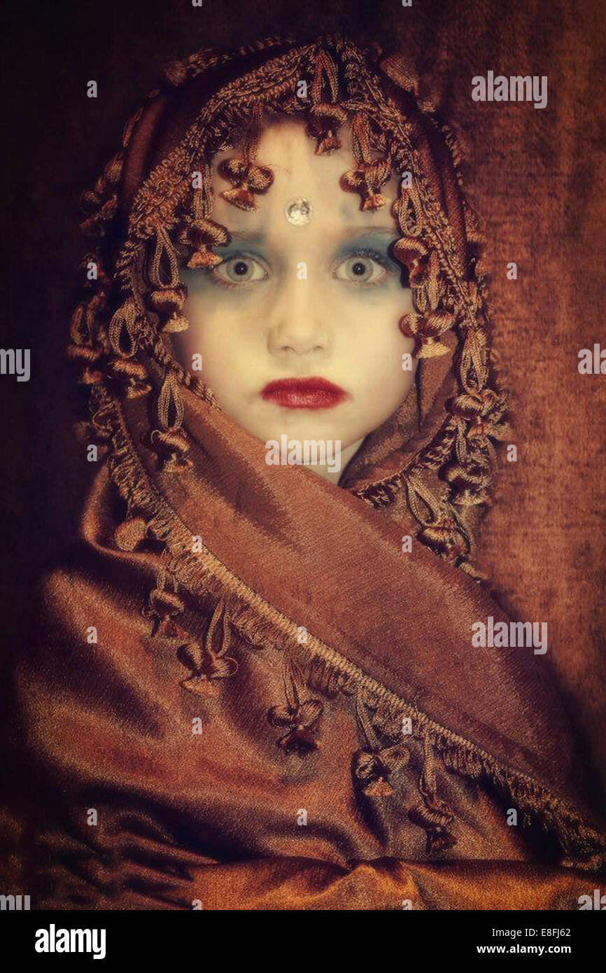 Retrato de niña vestidos de traje de princesa india Imagen De Stock