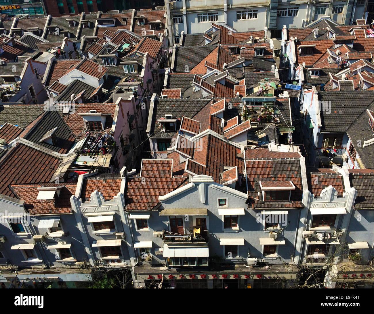 Shanghai, China mirando hacia abajo en las tradicionales casas antiguas Yongshou Lu, Shanghai, China Imagen De Stock