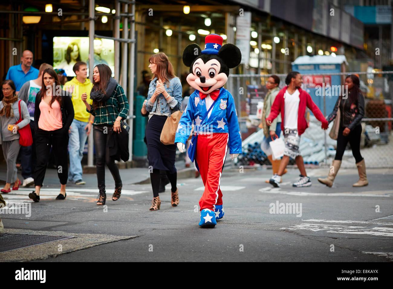 La ciudad de Nueva York Times Square NYC caricaturas busk para consejos Imagen De Stock