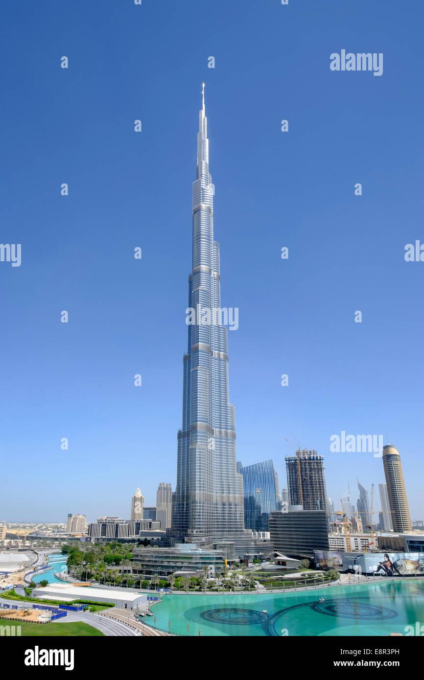 En el centro de la torre Burj Dubai, Emiratos Árabes Unidos Imagen De Stock