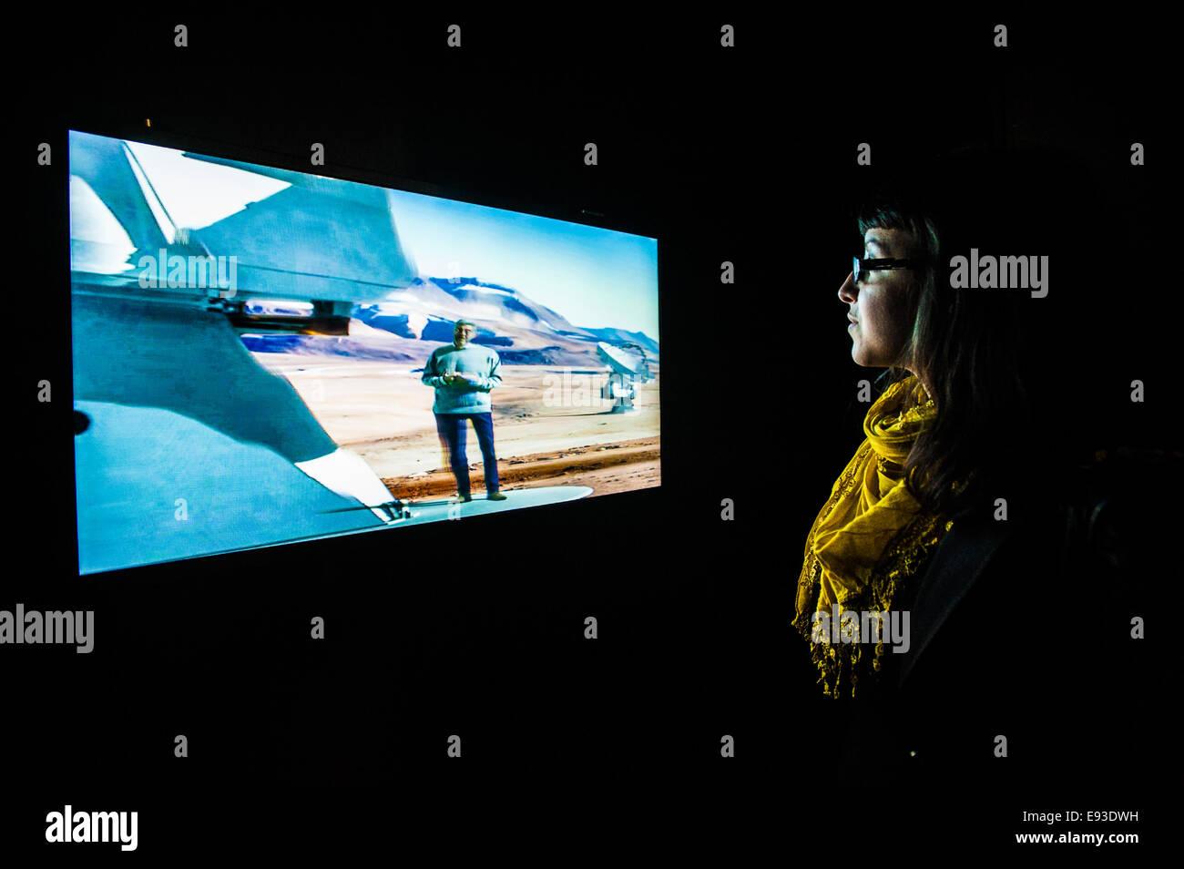 Italia Turín Piamonte Pino Torinese Inauguración de la nueva zona de museos del Museo de Turín planetario astronomía y espacio INFINI.Al 17 de octubre de 2014 -efecto tridimensional Foto de stock