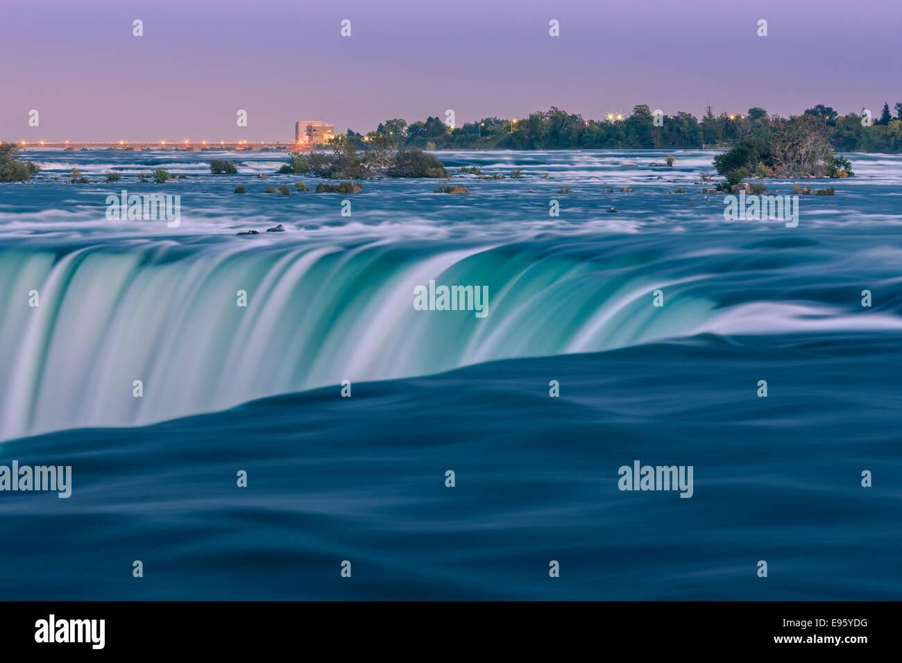 Horseshoe Falls, parte de la ciudad de Niágara Falls, Ontario, Canadá. Foto de stock