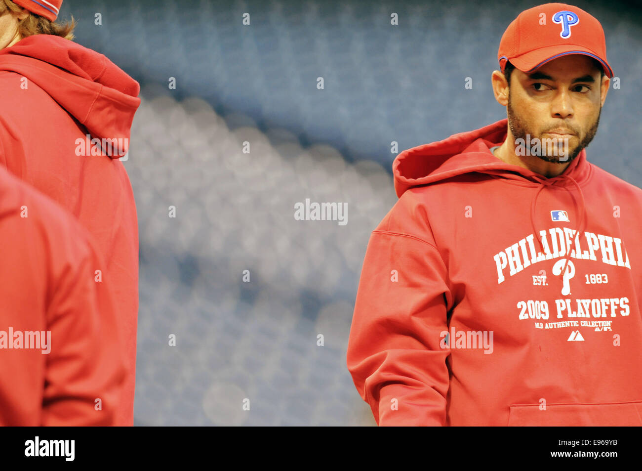 Philadelphia Phillies Pedro Julio feliz furing práctica durante 2008 Temporada de playoffs en Citizens Bank Imagen De Stock